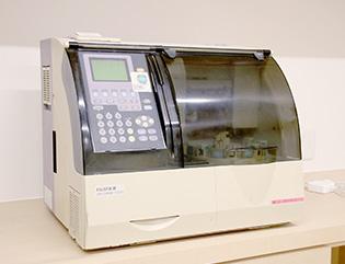 写真:血液化学分析装置